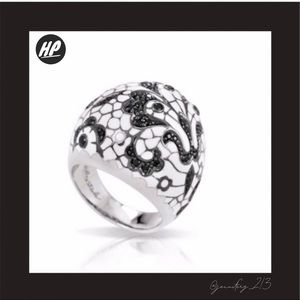 Belle Etoile Fleur De Lace White Lace Ring NWOT